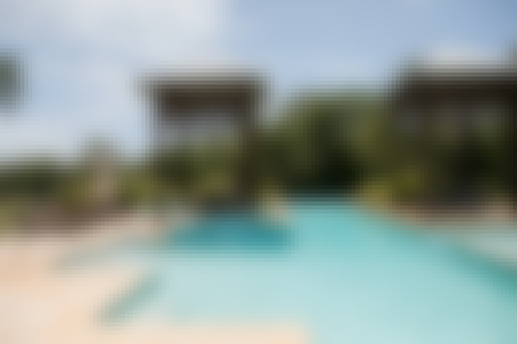 Beach Road Holiday Homes outdoor pool