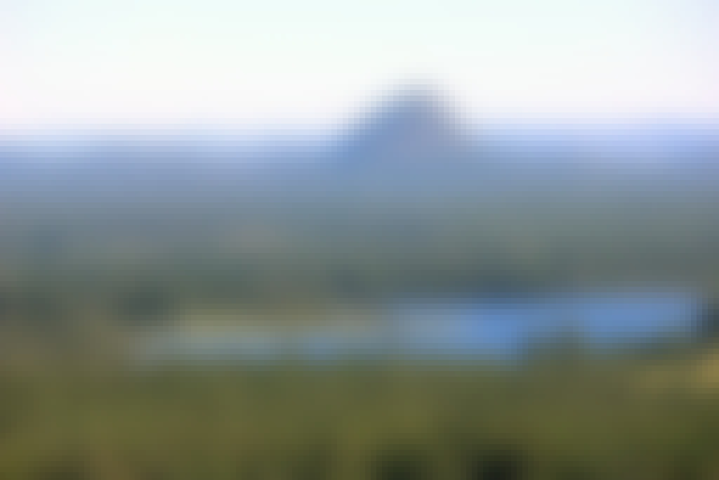 Noosa day tours Mt Tinbeerwah Lookout a